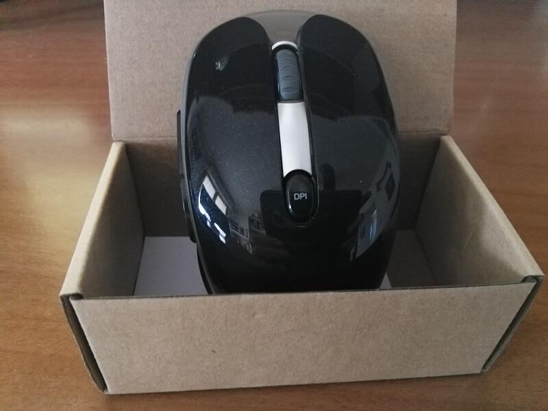 Confezione con mouse ed adattatore di Jelly Comb