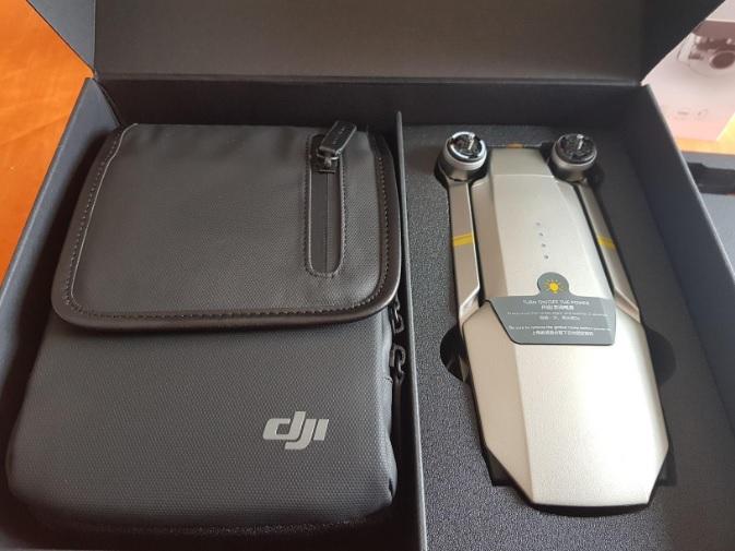 Drone portatile DJI Mavic PRO Platinum all'interno della sua borsa