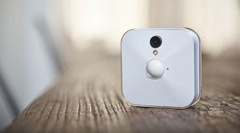 Sistema di videosorveglianza esterna Blink XT di colore bianco