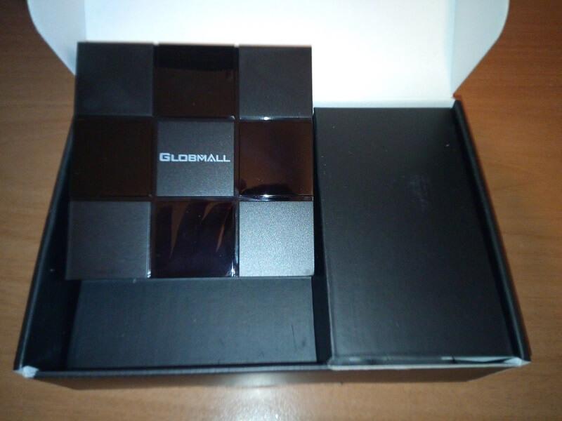 Confezione Android TV box Globmall X3, telecomando incluso