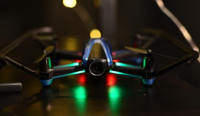 Drone UDIRC con fotocamera HD e visore a realtà virtuale