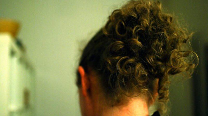 Le migliori piastre per capelli ricci a meno di 50 euro